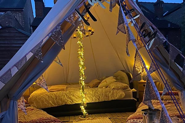 About Glamping glamp tipple background 1